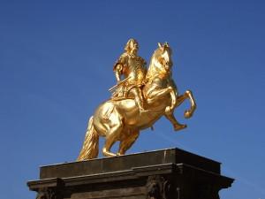 Конная статуя «Золотой всадник»